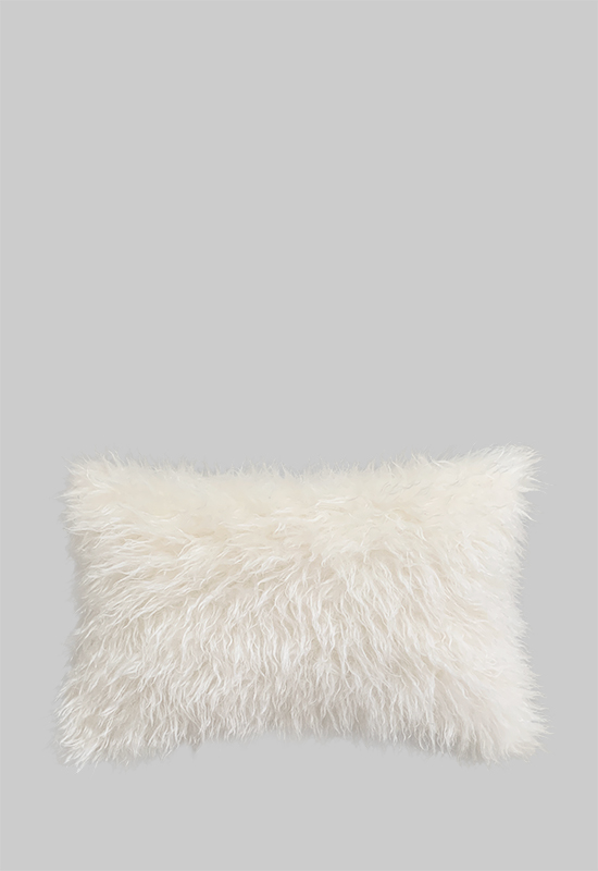 Taijitu fur pillow in the group Shop Furniture / Fur Collection at Layered (FFPILOW)