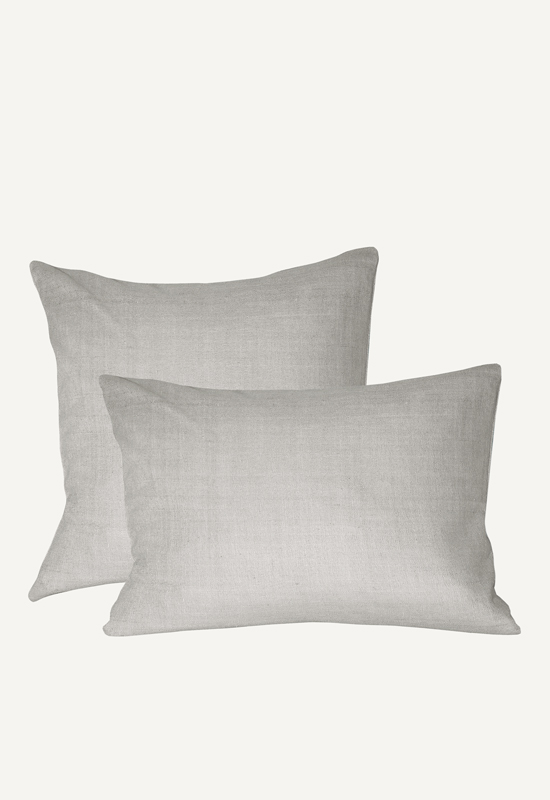 LUCA linen pillow in the group Shop Furniture / Furniture with express delivery at Layered (FLPILGS)