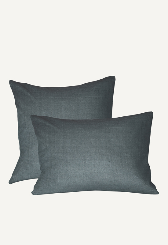 LUCA linen pillow in the group Shop Furniture / Furniture with express delivery at Layered (FLPILLT)