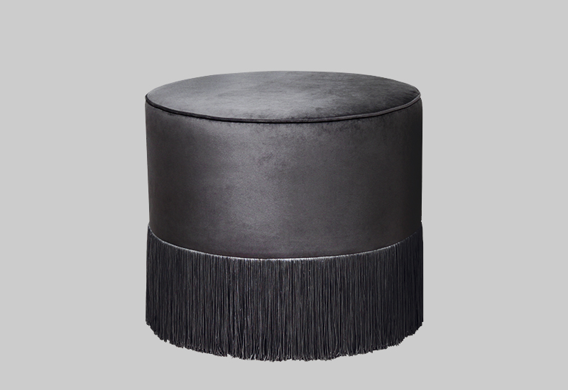 FRENCH velvet pouf in the group Shop Furniture / Poufs at Layered (FVFRESG)