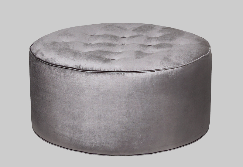 GRACE SHINY velvet pouf in the group Shop Furniture / Poufs at Layered (FVGRACGM)