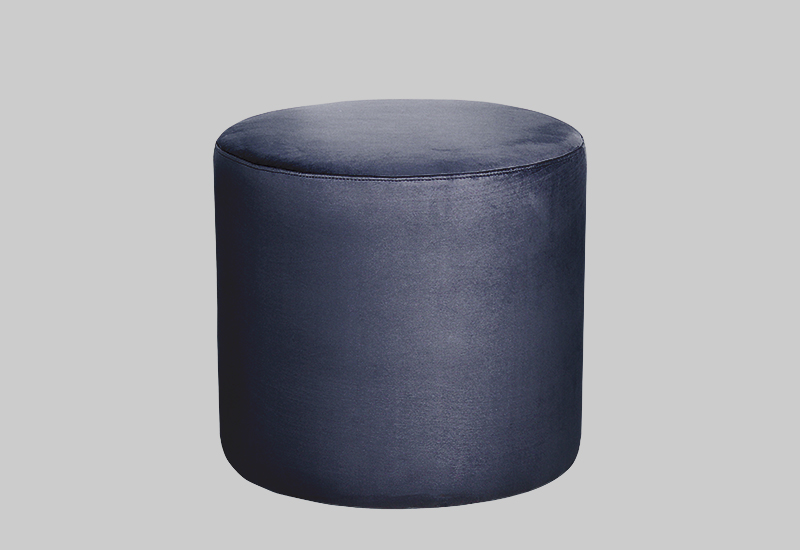 PETIT velvet pouf in the group Shop Furniture / Furniture with express delivery at Layered (FVPETMB)