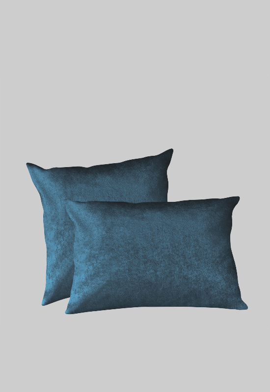 LUCA Velvet Pillow in the group Shop Furniture / Pillows at Layered (FVPILDP)