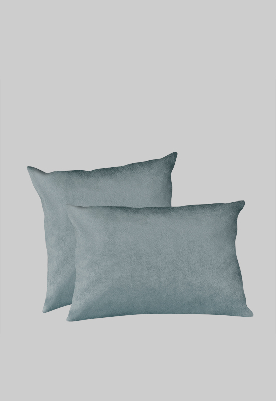 LUCA Velvet Pillow in the group Shop Furniture / Furniture with express delivery at Layered (FVPILDT)