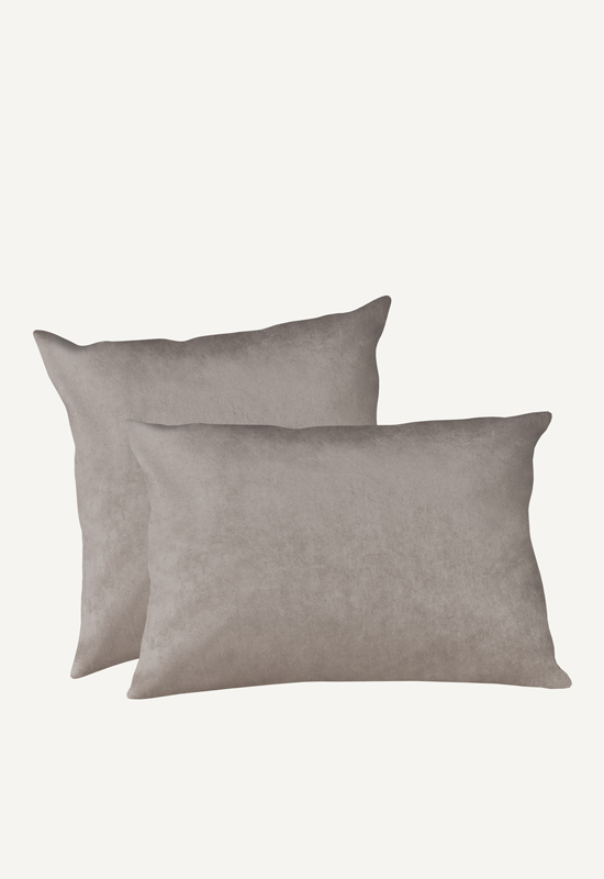 LUCA Velvet pillow in the group Shop Furniture / Pillows at Layered (FVPILGS)